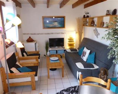 LOCATION VACANCES LA PALMYRE Maison 4 pe...