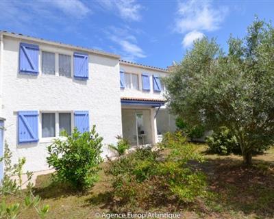 LOCATION VACANCES - Villa 4 Pièces - LA ...