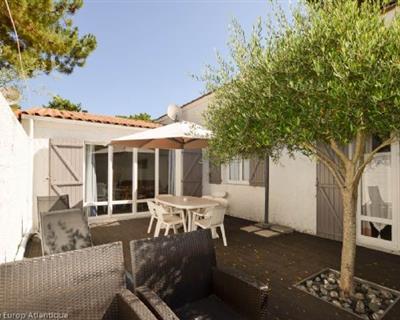 LOCATION VACANCES LA PALMYRE Villa 4 Piè...
