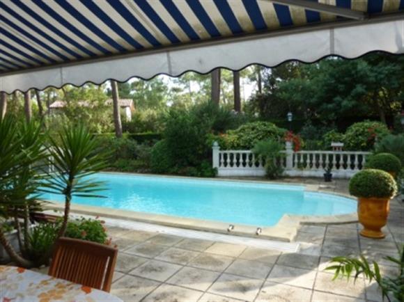 Immobilier la palmyre les mathes agence immobili re la for Prix piscine 10x5m