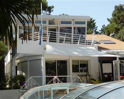 BELLE VILLA d'Architecte de 330 m2 env -...